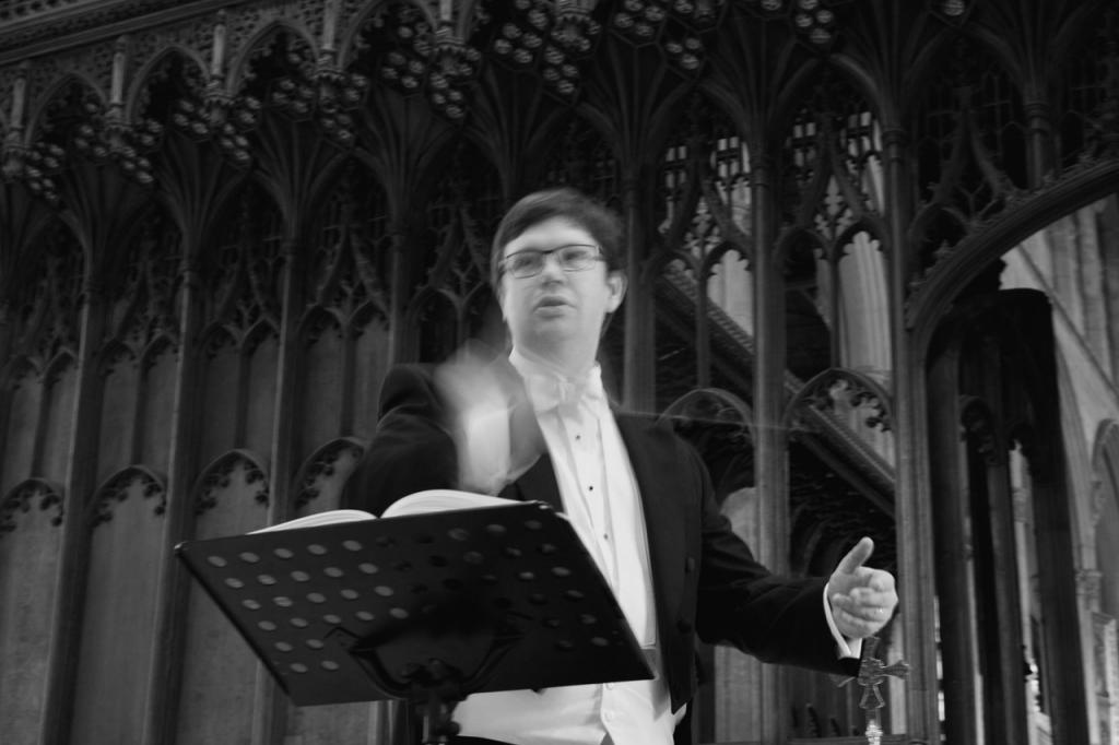 Stephen Bullamore conducting